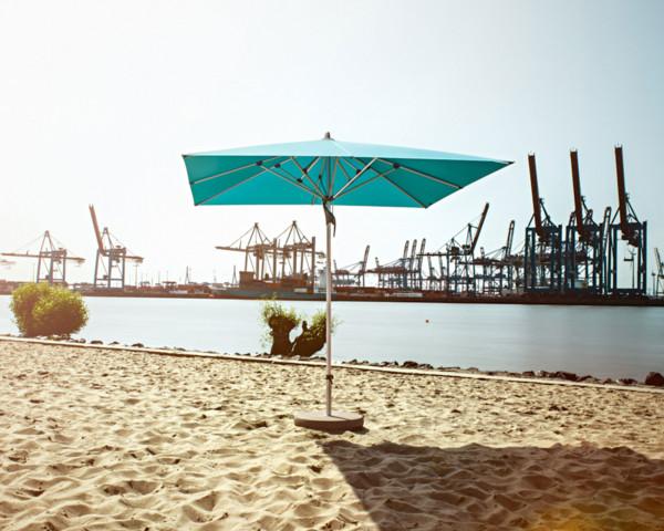 Sonnenschirm Fortino® Glatz Quadratisch am Baggersee - bowi.ch