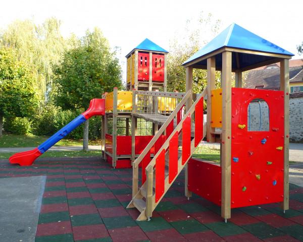 Spielturmkombination Schloss mit Dani - bowi.ch