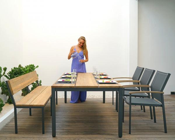 Gartentisch Set Alex Teakholz Tisch Bank mit Rückenlehne Sessel Textilen Ebony Gartenmöbel BOWI - bowi.ch