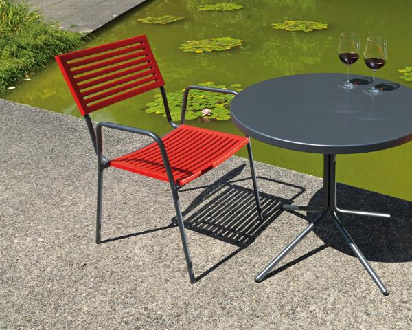 Gartentisch Set Rund Lamello Rot Anthrazit stapelbar Schaffner Gartenmöbel BOWI - bowi.ch