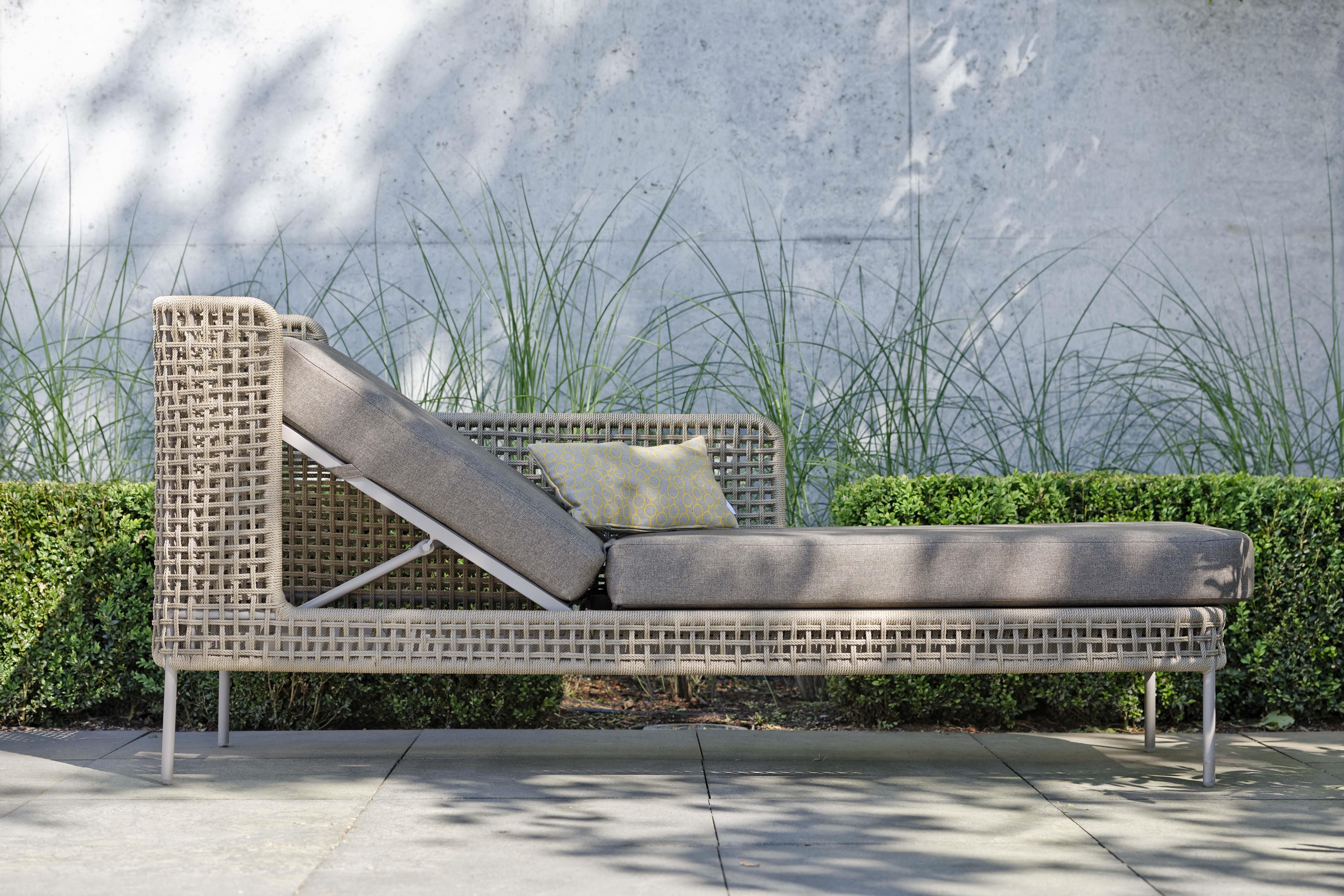 lounge greta liege online ausstellung. Black Bedroom Furniture Sets. Home Design Ideas