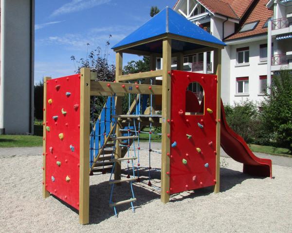 Spielturmkombination Dani mit Kletterblock - bowi.ch