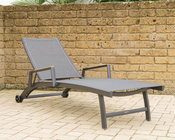 Liegestuhl Fly Zebra Graphite auf Terrasse Textilen Aluminium - bowi.ch