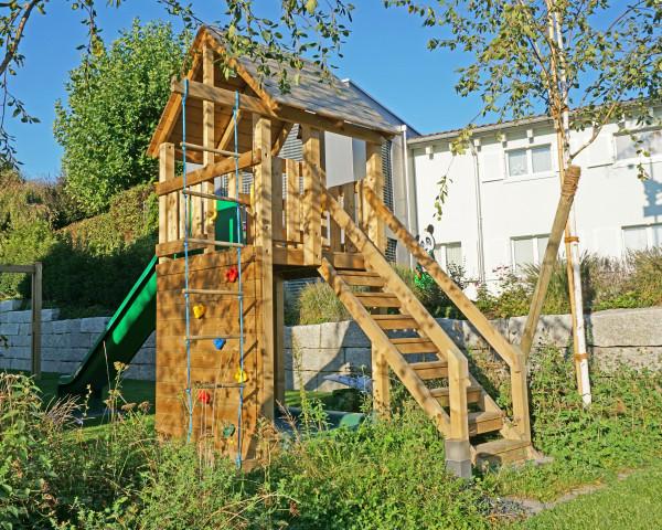 Spielturm Simba mit Treppe, Strickleiter, Kletterwand, Sandkasten, Rutschbahn - bowi.ch