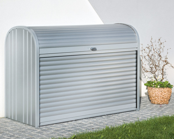 Stimmungsbild von Biohort Stormax 120 in der Farbe Silber-metallic im Garten - bowi.ch