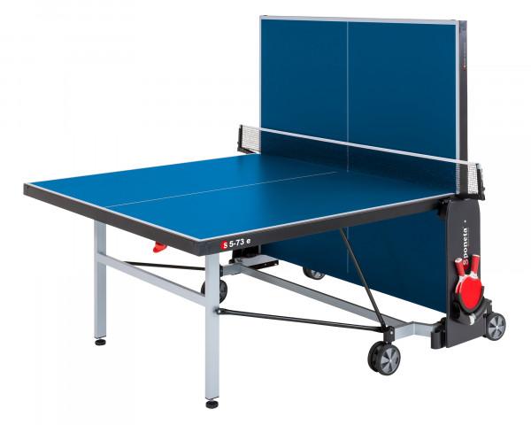 Tischtennistisch Blau in Spielposition - bowi.ch
