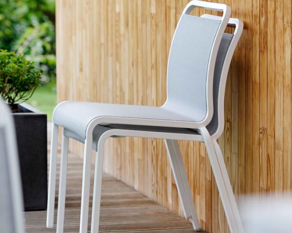 Gartenstuhl ohne Armlehne Oskar Textilen Silber Gestell Aluminium Weiss Gartenmöbel BOWI - bowi.ch