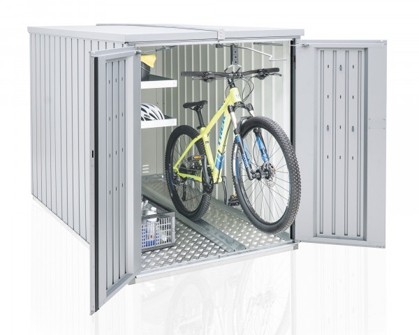 Stimmungsbild von Biohort Minigarage mit einem Regalsystem und Fahrradhängeschine in der Farbe Silber-metallic mit geöffneten Türen - bowi.ch