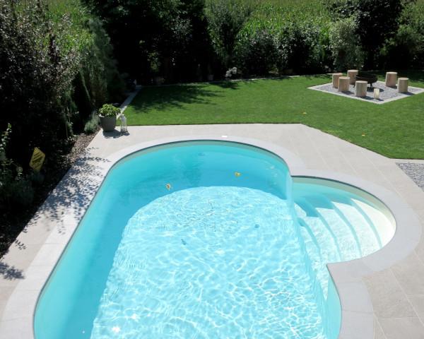 Schwimmbecken SWIM oval Folie Farbe sand Erdeinbau mit Römischen Treppen-Einstieg - bowi.ch